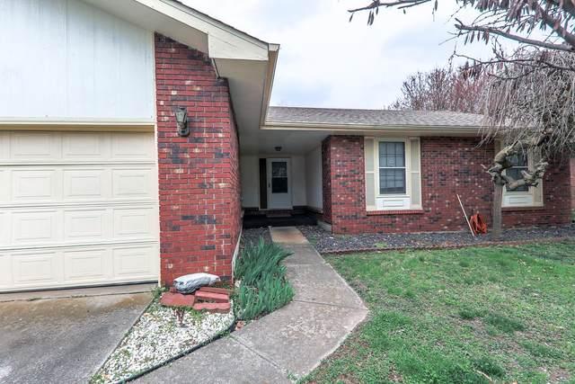 3218 S Elmira Avenue, Springfield, MO 65807 (MLS #60160820) :: Winans - Lee Team | Keller Williams Tri-Lakes
