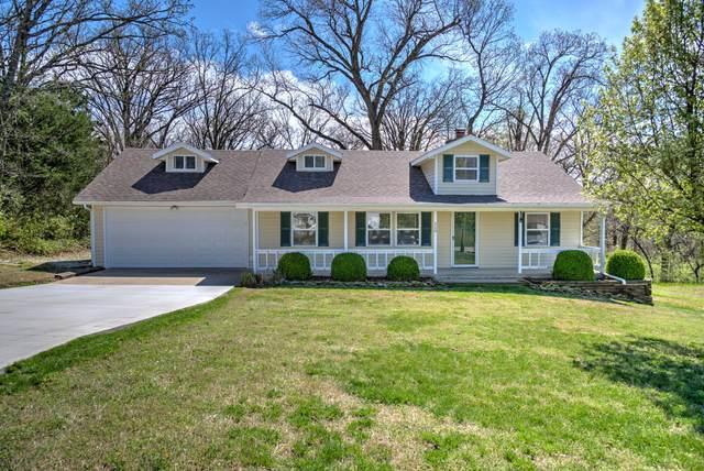 320 E 44th Street, Joplin, MO 64804 (MLS #60160827) :: Winans - Lee Team | Keller Williams Tri-Lakes