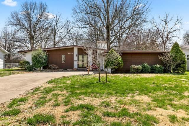 3246 E Berkeley Street, Springfield, MO 65804 (MLS #60161016) :: Sue Carter Real Estate Group