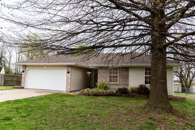 107 E Wilson Street, Republic, MO 65738 (MLS #60161288) :: Team Real Estate - Springfield
