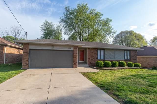 838 E Deerfield Street, Springfield, MO 65807 (MLS #60162121) :: Winans - Lee Team | Keller Williams Tri-Lakes