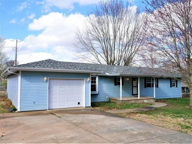 813 E Kirkwood Drive, Aurora, MO 65605 (MLS #60163154) :: Sue Carter Real Estate Group