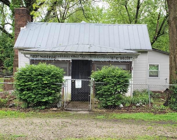 112 E St Louis Street, Aurora, MO 65605 (MLS #60163901) :: Sue Carter Real Estate Group