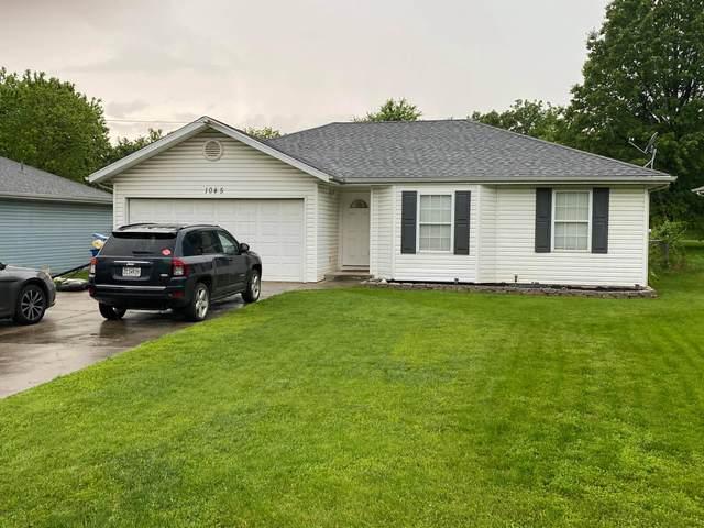 1045 N Dickerson Avenue, Springfield, MO 65803 (MLS #60164650) :: Weichert, REALTORS - Good Life