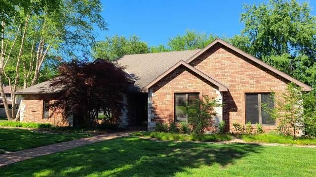 4840 S Warwick Avenue, Springfield, MO 65804 (MLS #60164872) :: Clay & Clay Real Estate Team