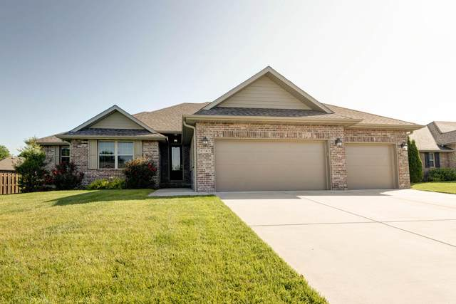 3783 Stonehinge Drive W, Springfield, MO 65807 (MLS #60164873) :: Clay & Clay Real Estate Team