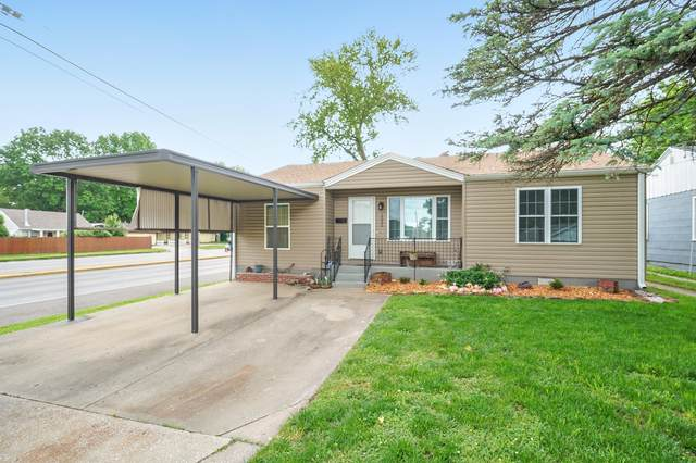 1535 W Calhoun Street, Springfield, MO 65802 (MLS #60164951) :: Winans - Lee Team | Keller Williams Tri-Lakes