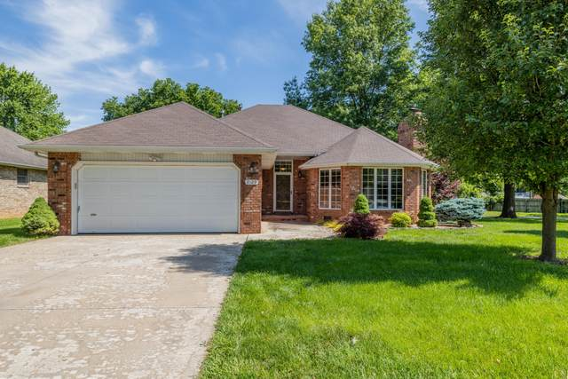 2129 E Cherryvale Street, Springfield, MO 65804 (MLS #60165413) :: The Real Estate Riders