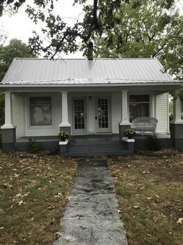 421 E Highland Street, Aurora, MO 65605 (MLS #60166757) :: Team Real Estate - Springfield