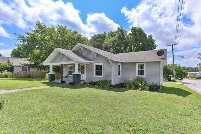 318 W Locust Street, Bolivar, MO 65613 (MLS #60167124) :: Clay & Clay Real Estate Team