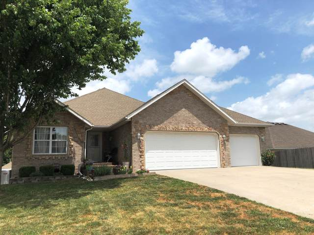 3031 W Grandview Street, Springfield, MO 65803 (MLS #60167145) :: Sue Carter Real Estate Group