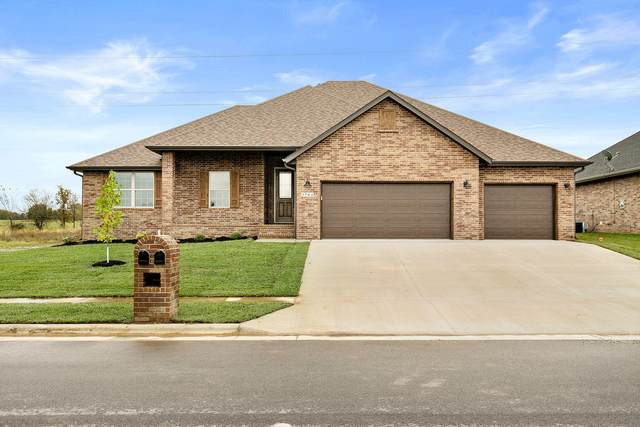 3677 N Huntington Avenue, Springfield, MO 65803 (MLS #60167312) :: Sue Carter Real Estate Group