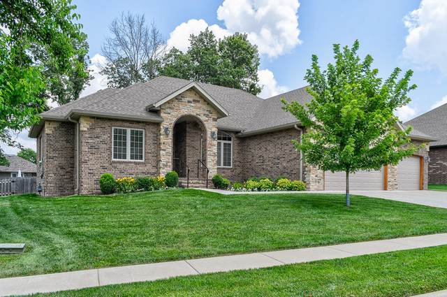 2369 W Darby Street, Springfield, MO 65810 (MLS #60167632) :: Sue Carter Real Estate Group