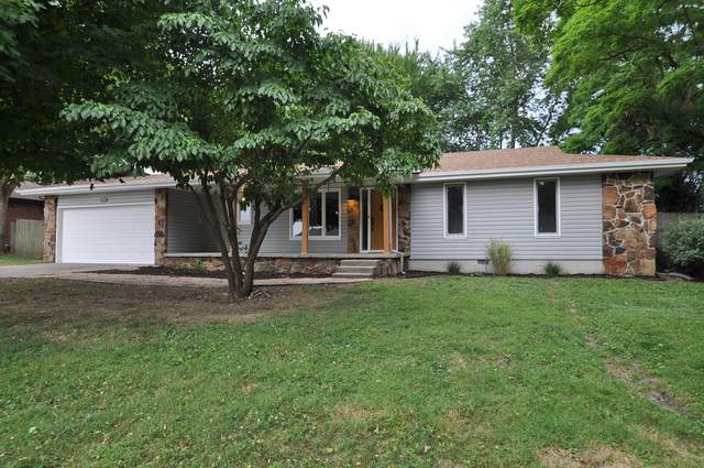 3218 W Aaron Drive, Springfield, MO 65810 (MLS #60167640) :: Sue Carter Real Estate Group