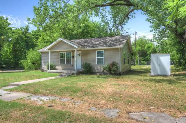1001 E 2nd Street, Joplin, MO 64801 (MLS #60167735) :: Sue Carter Real Estate Group