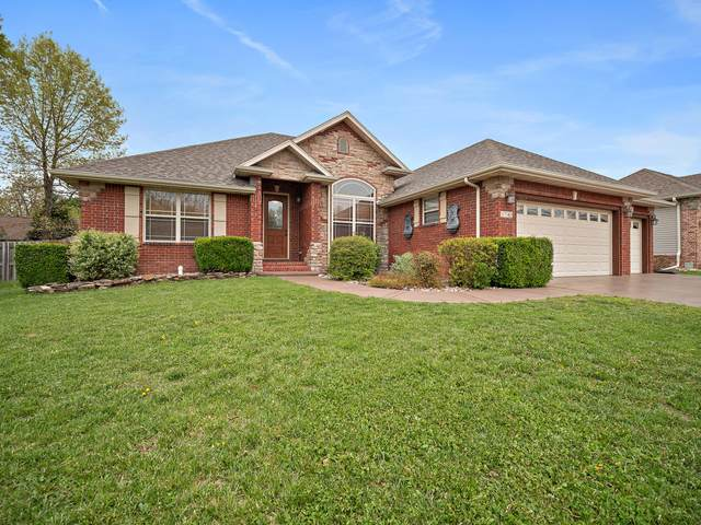 1745 E Charles Street, Republic, MO 65738 (MLS #60167747) :: Clay & Clay Real Estate Team