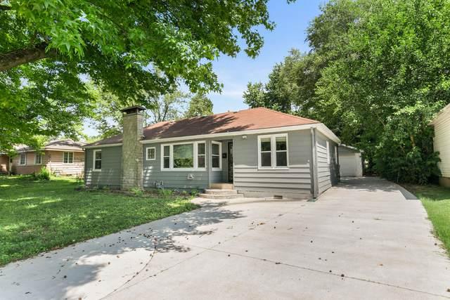 1817 E Glenwood Street, Springfield, MO 65804 (MLS #60167981) :: Sue Carter Real Estate Group