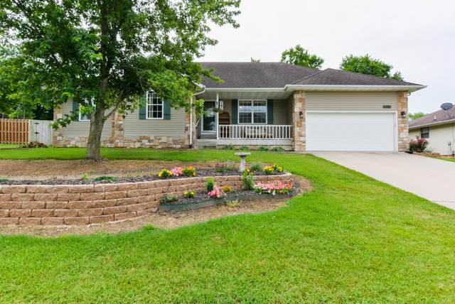 716 E Gallup Hill Road, Nixa, MO 65714 (MLS #60168078) :: Team Real Estate - Springfield