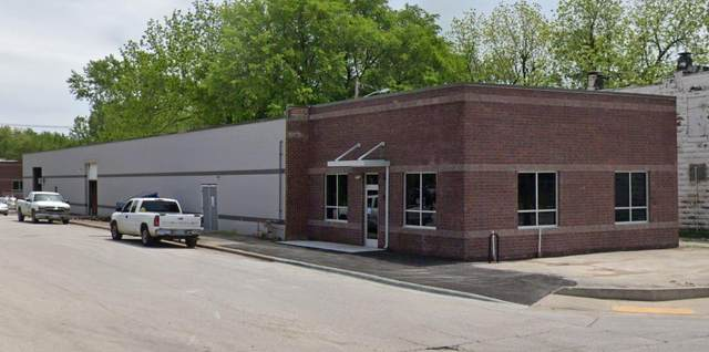 1920 N National Avenue, Springfield, MO 65803 (MLS #60168131) :: Weichert, REALTORS - Good Life