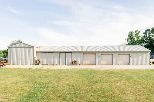 1124 Emerald Hills Drive, Nixa, MO 65714 (MLS #60168568) :: Clay & Clay Real Estate Team