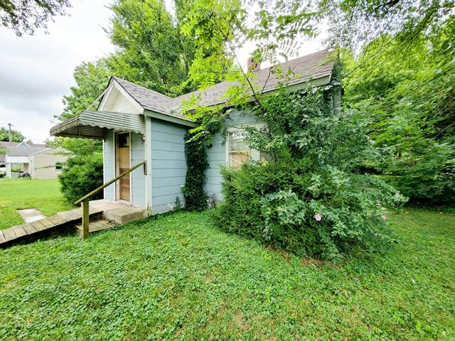 2018 N Hoffman Avenue, Springfield, MO 65803 (MLS #60169783) :: The Real Estate Riders