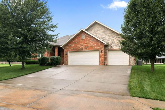 1901 N Winfield Drive, Springfield, MO 65802 (MLS #60169930) :: The Real Estate Riders