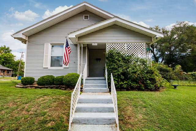 1211 W Calhoun Street, Springfield, MO 65802 (MLS #60170094) :: Weichert, REALTORS - Good Life