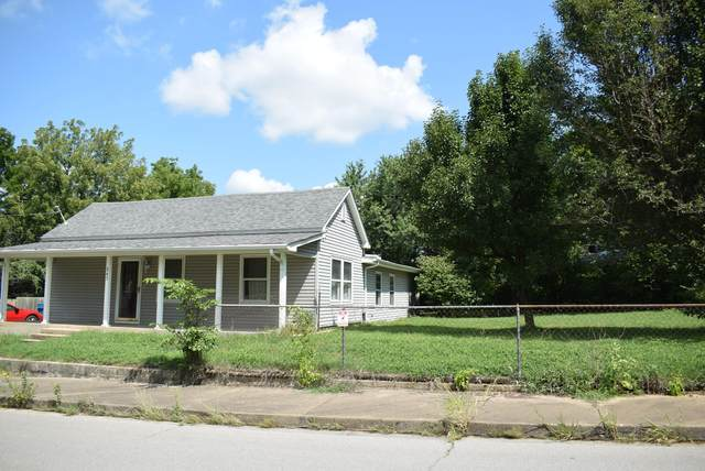 843 E 3rd Street, Carthage, MO 64836 (MLS #60170125) :: The Real Estate Riders