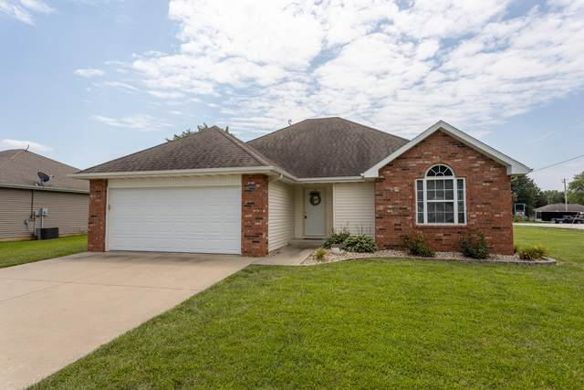 600 E Laird Street, Bolivar, MO 65613 (MLS #60170441) :: The Real Estate Riders