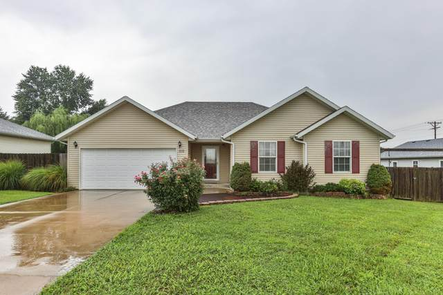 619 W Pearl Street, Bolivar, MO 65613 (MLS #60170635) :: The Real Estate Riders