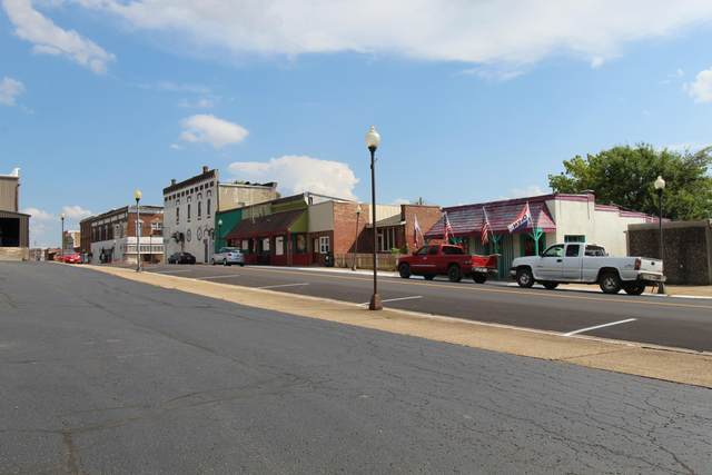 114 West Main, Willow Springs, MO 65793 (MLS #60170771) :: Weichert, REALTORS - Good Life