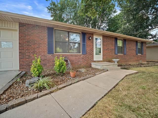 1304 E Bingham Street, Ozark, MO 65721 (MLS #60171033) :: Sue Carter Real Estate Group