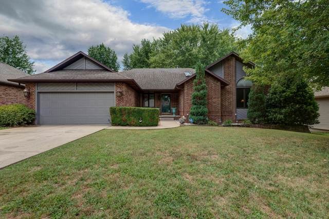1070 W Highpoint Street, Springfield, MO 65810 (MLS #60172476) :: The Real Estate Riders