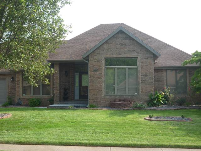 1144 W Cardinal Street, Springfield, MO 65810 (MLS #60173263) :: Weichert, REALTORS - Good Life