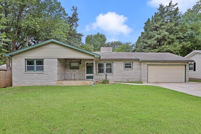 2349 S Luster Avenue, Springfield, MO 65804 (MLS #60173439) :: The Real Estate Riders
