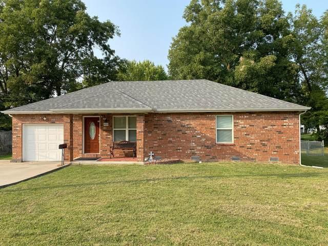 425 W College Street, Bolivar, MO 65613 (MLS #60174007) :: Team Real Estate - Springfield