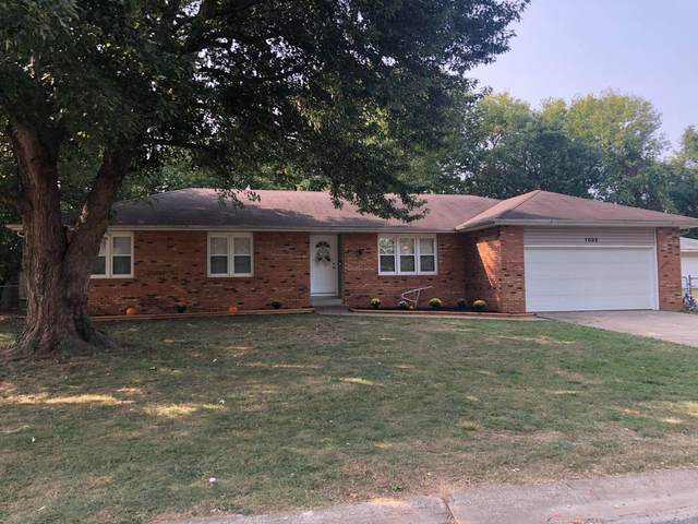 1032 W Ridgecrest Avenue, Republic, MO 65738 (MLS #60174166) :: Winans - Lee Team | Keller Williams Tri-Lakes