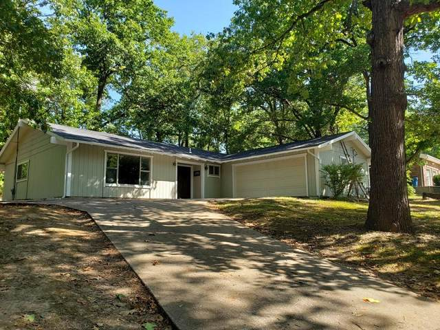 1003 Hickory Street, Cassville, MO 65625 (MLS #60174438) :: The Real Estate Riders