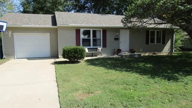 200 N Barker Avenue, Bolivar, MO 65613 (MLS #60174521) :: Team Real Estate - Springfield