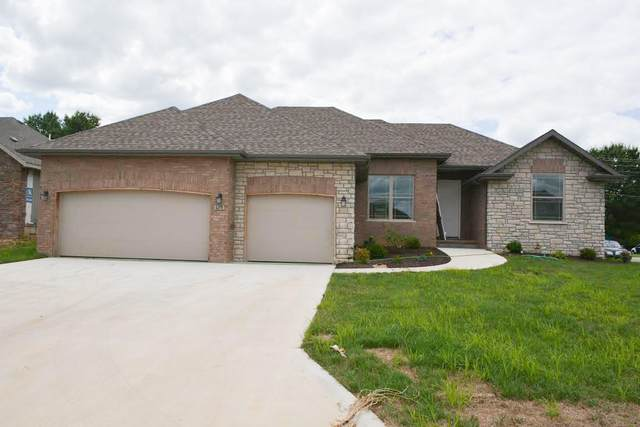 713 N Montego Street, Nixa, MO 65714 (MLS #60176016) :: Team Real Estate - Springfield