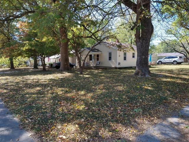 1135 N Fulbright Avenue, Springfield, MO 65802 (MLS #60176152) :: Weichert, REALTORS - Good Life