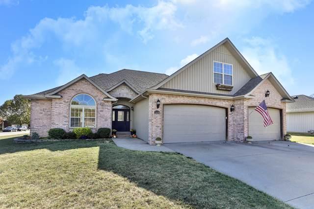 1108 E Skyline, Ozark, MO 65721 (MLS #60176563) :: Sue Carter Real Estate Group