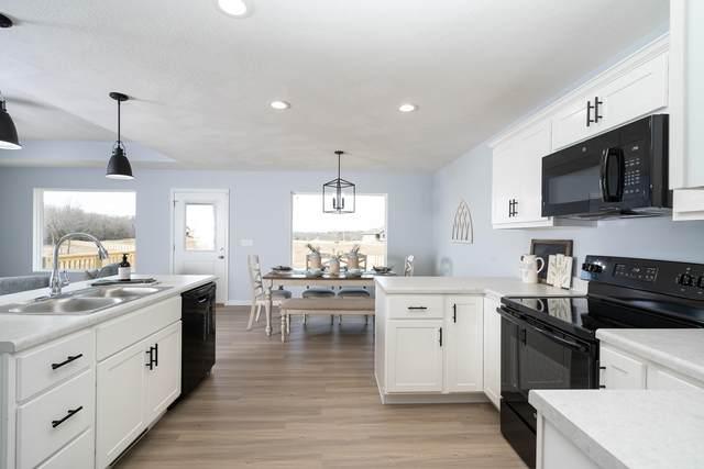 3721 N Sweet Water Avenue, Springfield, MO 65803 (MLS #60176783) :: Clay & Clay Real Estate Team