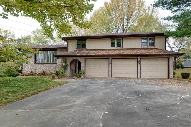 2801 E Ridgeview Circle, Springfield, MO 65804 (MLS #60176940) :: Clay & Clay Real Estate Team