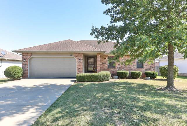 884 S Natalie Avenue, Springfield, MO 65802 (MLS #60177136) :: Sue Carter Real Estate Group