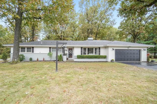 1130 E Sunset Lane, Springfield, MO 65803 (MLS #60177190) :: Sue Carter Real Estate Group