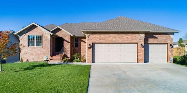 1207 E Highview Drive, Ozark, MO 65721 (MLS #60177519) :: Sue Carter Real Estate Group