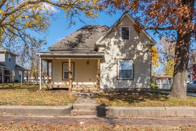 1123 E Blaine Street, Springfield, MO 65803 (MLS #60177916) :: Sue Carter Real Estate Group
