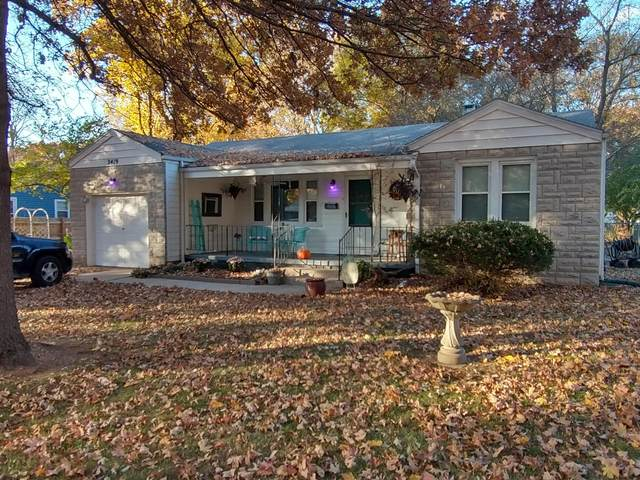 2419 E Kirkwood Street, Springfield, MO 65804 (MLS #60178042) :: Sue Carter Real Estate Group