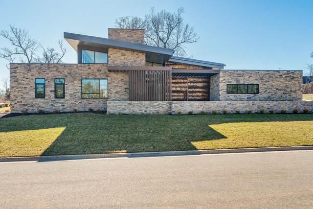 3818 E Hutcheson Avenue, Springfield, MO 65802 (MLS #60178413) :: Team Real Estate - Springfield
